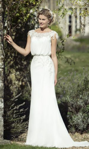 W207 stunning ivory Bridal gown by True Bride
